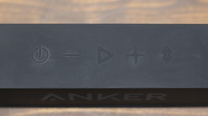 Anker SoundCoreのボタン