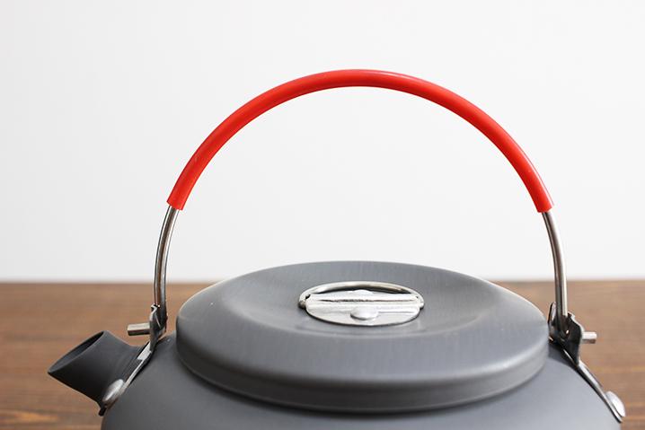滑らず持ちやすいシリコン製ハンドル